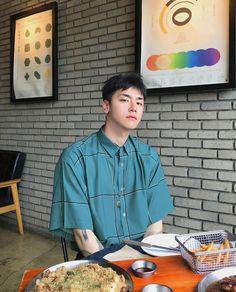 Asian Fashion, Boy Fashion, Mens Fashion, Korean Men Hairstyle, Fine Boys, Tumblr Boys, Aesthetic Photo, Handsome Boys, Photography Poses