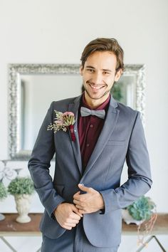 Burgundy and Grey Fall Wedding Color Inspirations: White bride with burgundy bouquets, Bridesmaids in grey dresses with burgundy scarfs, grey suit, burgundy shirt and burgundy tie for groom and groomsmen… Fall Wedding Suits, Grey Suit Wedding, Maroon Wedding, Fall Wedding Colors, Wedding Flowers, Wedding Gowns, Groomsmen Attire Grey, Groom Attire, Groom Suits