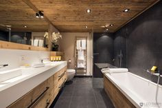 Image from http://www.leotrippi.com/images/gallery/2599/leogallery/18-private-villa-VERB2599-Verbier-Alps-Swiss-Switzerland-bathroom.jpg.