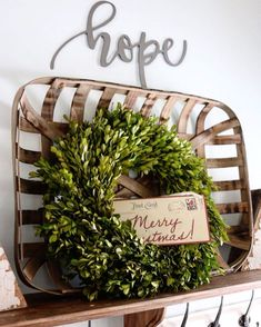 60 Inexpensive DIY Christmas Crafts Ideas On A Budget - decoration Christmas Baskets, Christmas Home, Christmas Crafts, Christmas Holidays, Christmas Decorations, Christmas Ideas, Elmo Christmas, Country Christmas, Holiday Ideas