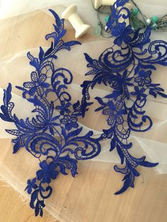 super delicate venice lace applique in navy for wedding lace, bridal dress decor Color also available in light blue, red and ivory . size is about 15 x 30 cm , price is for one pair in mirror image . Wholesale acceptable . my shop link: http://www.etsy.com/shop/lacetime Thank for shopping and have a nice day forever ! ----------------------------****-----****--------------------- ------------------------***---------------***------------------------- ---------------...