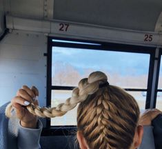 The Effective Pictures We Offer You About Volleyball Hairstyles team A quality picture can tell you Athletic Hairstyles, Softball Hairstyles, Track Hairstyles, Hairstyles Videos, Pretty Hairstyles, Braided Hairstyles, Hairdos, Cute Sporty Hairstyles, Game Day Hair