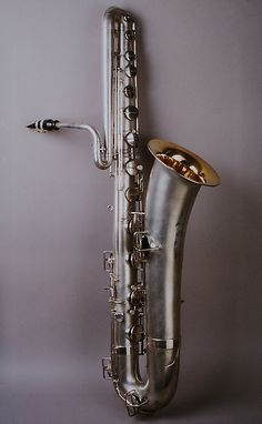 The Met's Musical Instruments — Bass saxophone in B-flat by Elkhart Band. Saxophone For Sale, Bass Saxophone, Vintage Saxophones, Pedalboard, Art Object, Music Stuff, Metropolitan Museum, Horns, Brass