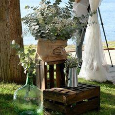 decoracion eucalipto Wedding Altar Decorations, Wedding Altars, Rustic Wedding, Wedding Ceremony, Purple Wedding, Floral Wedding, Wedding Flowers, Dried Flower Arrangements, Dried Flowers