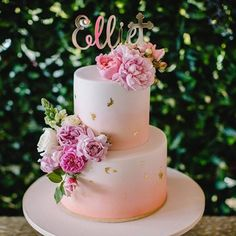 So much beauty😍💕💛✨ Cake by with our custom name and cross cake topper ⭐️ Pink Gold Cake, Pink Ombre Cake, Pretty Cakes, Beautiful Cakes, Amazing Cakes, Cross Cakes, White Birthday Cakes, Cupcakes Decorados, Gold Cake Topper