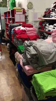 🅾️ Shopping Villa 🅾️   Cotton 100% နဲ႔ အက်ီအသား အေကာင္းဆံုးျဖစ္တဲ့ SV200 ယိုးဒယား 🇹🇭 တီရွပ္ လက္ကားျဖန္႔ခ်ီေရး  ✅ Instock အမွန္တကယ္ အထည္ေရ 15,000 အထက္ရွိျခင္း  ✅ ယိုးဒယား စက္ရံုႏွင့္ တိုက္႐ိုက္ခ်ိတ္ဆက္ ျဖန္႔ခ်ီေနျခင္း  ✅ ယိုးဒယား တီရွပ္ေတြထဲကမွ အရည္အေသြး အေကာင္းဆံုး ယိုးဒယားတီရွပ္ကိုသာ ျဖန္႔ခ်ီေနျခင္းၿပီး   ✅ အရည္ေသြးေကာင္းၿပီး ေစ်းသက္သာျခင္း  ✅ တစ္ပတ္တစ္ခါ အထည္ 3000-4000 အတြင္း ပံုမွန္ ပစၥည္း  အဝင္ရွိျခင္း  ✅ စက္ရံုတိုက္႐ိုက္ျဖစ္ေသာေၾကာင့္ ပစၥည္းအရည္ေသြး ႏွင့္  ေစ်းႏႈန္းေပၚတြင္…