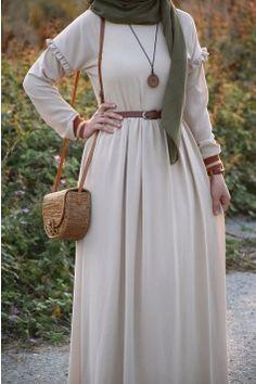 Islamic Fashion, Muslim Fashion, Modest Fashion, Fashion Dresses, Street Hijab Fashion, Abaya Fashion, Modest Dresses, Cute Dresses, Pakistani Wedding Dresses