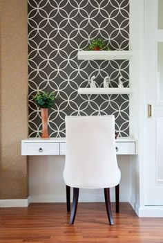Endless Circles Lattice Wall Stencil from Royal Design Studio Stencils. This modern, work station is enhanced by handpainted, stenciled circles in a classic, Moroccan pattern. This design also works in powder rooms, on accent walls and ceilings.