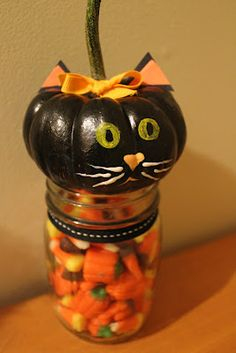 Cute way to store candy in a Mason Jar! #Halloween craft in less than an hour.  #Walmart Mom Linsey shows how.