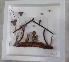 https://www.etsy.com/listing/540213340/family-frame-family-of-four-pebble-art