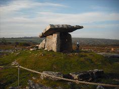 Ancient Ireland Burial Tomb, Ennis, Ireland
