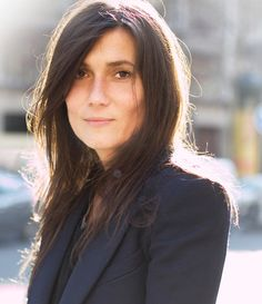 emmanuelle alt, simple hair and little-to-no make up