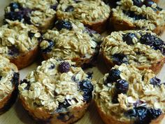Banana blueberry oatmeal breakfast muffins - Drizzle Me Skinny! Banana blueberry oatmeal breakfast muffins – Drizzle Me Skinny!Drizzle Me Skinny! Oatmeal Breakfast Muffins, Blueberry Oatmeal Muffins, Oatmeal Cake, Blueberry Breakfast, Breakfast Meals, Breakfast Time, Ww Recipes, Light Recipes, Cooking Recipes