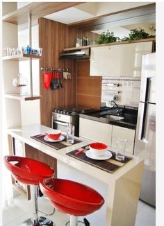 Small Kitchen Remodeling Find out how to design your own Kitchen. We have given the best Small Kitchen Remodel Ideas that Perfect for Your Kitchen. Kitchen Sets, New Kitchen, Kitchen Decor, Home Interior, Interior Design Kitchen, Small Apartment Kitchen, Best Kitchen Designs, Minimalist Kitchen, Minimalist Interior