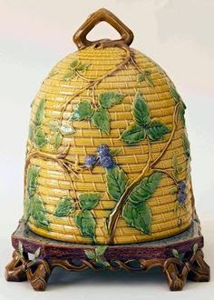 Glazed and Confused: Detecting reproduction majolica. This is an authentic, very rare, Majolica Minton Beehive Cheese Dome. Hives And Honey, Honey Bees, New Beehive, Bee Skep, Bee Hives, Vases, I Love Bees, Vintage Bee, Bee Art