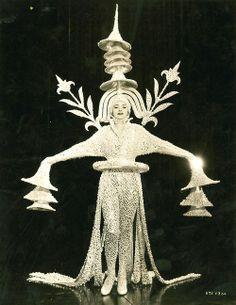 Erté (Romain de Tirtoff, 1892 - 1990), costume designed for the Folies Bergère revue / Embodied <3