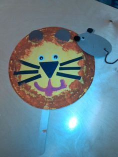 From the book called, The Lion and the Mouse. For a craft we made this! We used paper plates, paint and construction paper :) very fun craft! Preschool Themes, Kindergarten Activities, Classroom Activities, September Preschool, January, Fairy Tale Theme, Fairy Tales, Lion And The Mouse, Poetry Activities