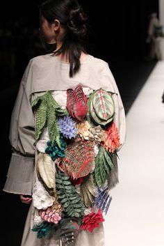 Thread, Fashion and Costume