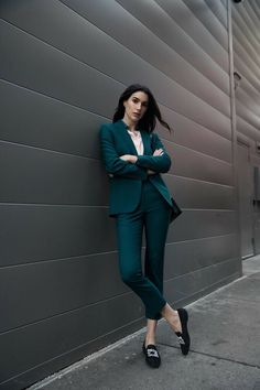99 Trendy Spring Work Outfits Ideas To Achieve A Career A work outfit is usually a uniform. Most companies for some reason would like to require work uniform outfits for … Casual Work Outfits, Professional Outfits, Office Outfits, Classy Outfits, Business Professional, Casual Pants, Work Attire, Casual Dresses, Office Wardrobe