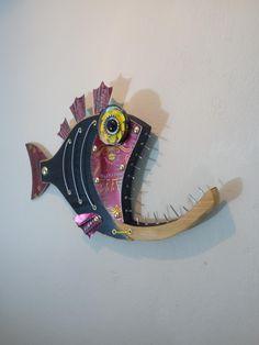 Paper Mache Sculpture, Fish Sculpture, Wall Sculptures, Wooden Fish, Wooden Art, Wooden Crafts, Seaside Art, Beach Art, Nautical Wall Decor