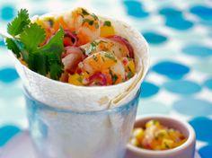 Avec les lectrices reporter de Femme Actuelle, découvrez les recettes de cuisine des internautes : Wrap aux crevettes, sauce à la mangue