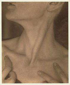 "lushlight: "" Alfred Stieglitz : Georgia O'Keeffe – Neck 1921 Palladium print x cm The Metropolitan Museum of Art artblart "" Edward Steichen, Alfred Stieglitz, Georgia O'keeffe, Ansel Adams, Harlem Renaissance, Metropolitan Museum, New Jersey, Wisconsin, Francis Picabia"