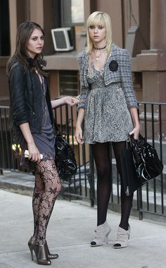 Agnes & Jenny (Season 2, Episode 10) Jenny's going through a strange hair phase here, but at least her little lace Topshop dress is adorable. Gossip Girl Series Finale: A Look Back At The Fashion From All 6 Seasons (PHOTOS)