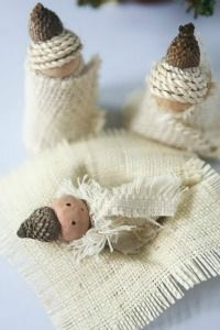 I need to save little acorn hats :)  This is so texturey and lovely.