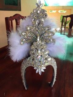 Crown handmade White Beautiful Headdress Diva Drag Queen Showgirl Cabaret for sale online Showgirl Costume, Burlesque Costumes, Dance Costumes, Drag Queen Costumes, Carnival Outfits, Carnival Costumes, Drag Queens, Mardi Gras Costumes, Festival Costumes