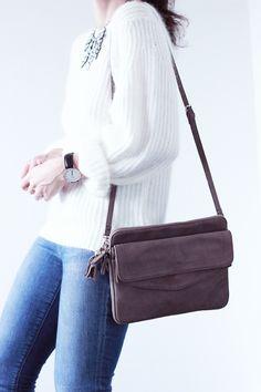 Pull-angora-blanc-Choies-Jean-bleu-Joe's-Sac-Kate-Lee source: http://the-black-feather.com/mode/outfits/le-blanc.html