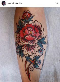Flower leg by - GoPins! Floral Thigh Tattoos, Elbow Tattoos, Flower Tattoos, Sleeve Tattoos, Traditional Thigh Tattoo, Traditional Tattoo Flowers, Body Art Tattoos, Hand Tattoos, Cool Tattoos