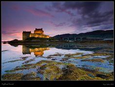 Eilean Donan Castle , Loch Duich , Highlands of Scotland