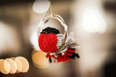 http://season.yourlapland.com/tarinaa/kaunis-joulu-syntyy-vaikka-vanhoista-sukista