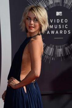 Julianne Hough dyes hair back to blonde after going pink - UPI.com