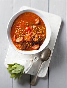 Chorizo is 'n Spaanse wors met 'n spesery-smaak. Soup Recipes, Dessert Recipes, Cooking Recipes, Healthy Recipes, Desserts, South African Recipes, Ethnic Recipes, African Stew, Good Food