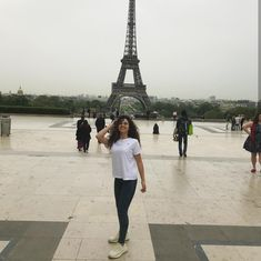 Paris Skyline, Louvre, Mary, Celebrity, Tv, Building, Travel, Viajes, Television Set