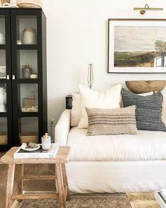 Home Living Room, Living Room Designs, Living Room Decor, Living Spaces, Bedroom Decor, Small Living, Bedroom Signs, Decorating Bedrooms, Kitchen Living