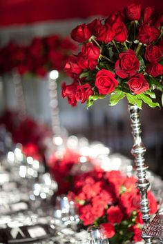red roses, It! Weddings & Events. High and low centerpieces. Red, Black and White.  Amazing red tent. romantic feeling. waterfront event. It! Weddings & Events. baroque linen. Black and White. Event . sexy . birthday party ideas. sexy tent.