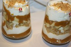Banoffee Biscoff trifle is the dessert you need to try! Caramel Treats, Caramel Recipes, Delicious Desserts, Yummy Food, Dessert Boxes, Banoffee Pie, Biscoff, Trifle, Love Food