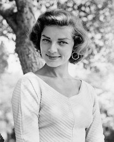 Vintage/Old Hollywood - Lauren Bacall