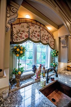Gorgeous French Country Kitchen interior design ideas and decor ~ Custom Window Treatments. Maybe not this fabric but I love the idea for the kitchen window treatments Country Kitchen Interiors, French Country Kitchens, French Country House, Interior Design Kitchen, Kitchen Country, Country Style, French Country Curtains, Tuscan Kitchen Decor, Country Valances