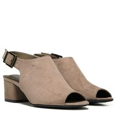 Women's Relay Medium/Wide Sandal at Naturalizer.com