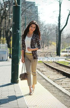 My favourite leopard printed cardigan. Perfect for work.