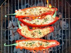 Grilled peppers with sheep& cheese & rosemary - This recipe for this paprika filled with sheep& cheese convinces with a clear list of ingredi - Healthy Chicken Recipes, Low Carb Recipes, Sheep Cheese, Grilled Peppers, Different Vegetables, Cooking On The Grill, Smoker Cooking, Vegetable Drinks, Healthy Eating Tips