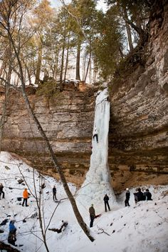 2014 Michigan Ice Fest & Ice Climbing in Pictured Rocks