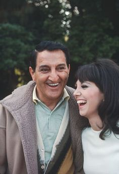 Happy Father's Day!   - Marlo Thomas with father Danny Thomas c. 1971