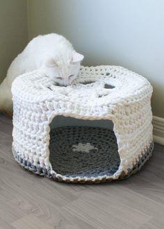 T-Shirt Yarn Crochet Patterns | Crochet PATTERN - Chunky T-shirt Yarn Pet Cave / Cat Bed, Tarn, Tshirt ...