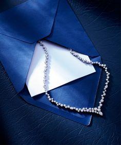 the Sparkling Cluster #Diamond Necklace by #HarryWinston. #PrestigeSG http://hwin.st/2niXRiX