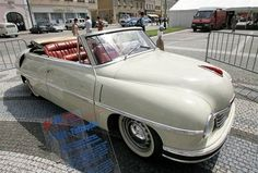 Tatra 600 Tatraplan Sodomka cabrio photos, picture # size: Tatra 600 Tatraplan Sodomka cabrio photos - one of the models of cars manufactured by Tatra Old Vintage Cars, Antique Cars, 50s Cars, Mini Trucks, Anubis, Luxury Cars, Hot Rods, Race Cars, Convertible