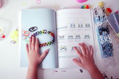 ♥ Mon nouveau livre : Bijoux Loom en folie ♥ | Poulette Magique Pop, Baby Newborn, Magic, Madness, Bijoux, Popular, Pop Music